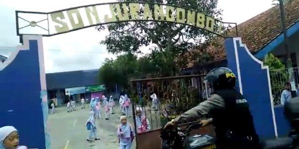 policegotoschool (1)