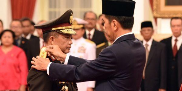 Dilantik-sebagai-kapolri-oleh-Presiden-Joko-Widodo